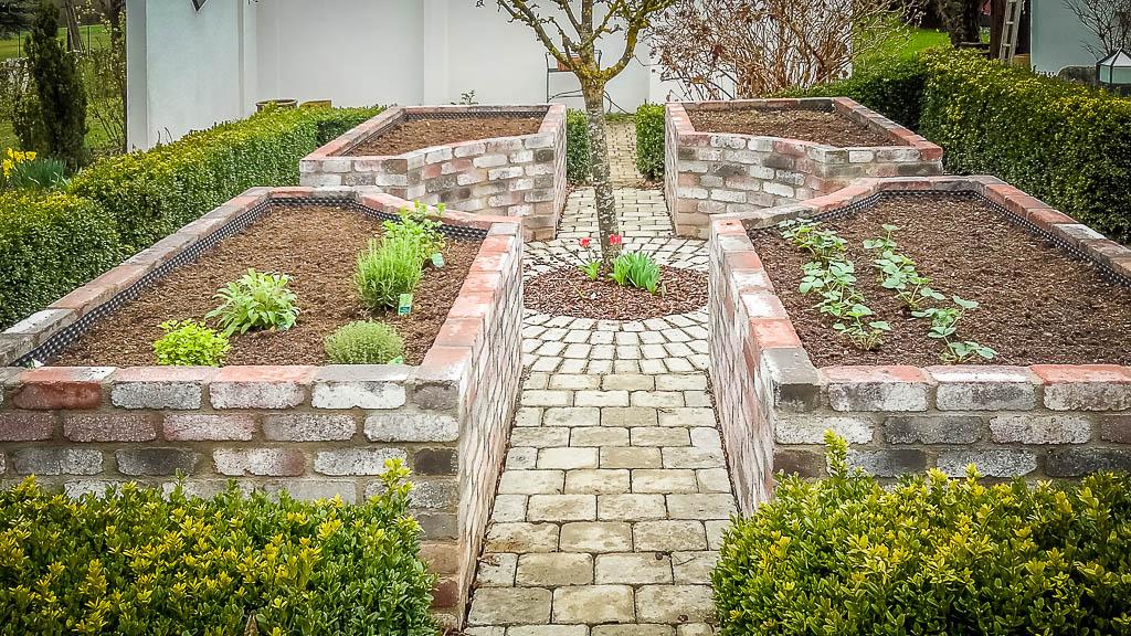 Natursteinarbeiten Garten Hochbeet