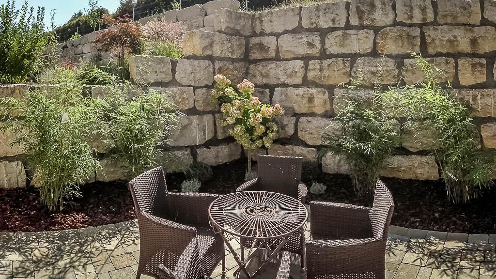 Natursteinarbeiten Steinmauer Terrasse Naturstein Sitzgelegenheit cp