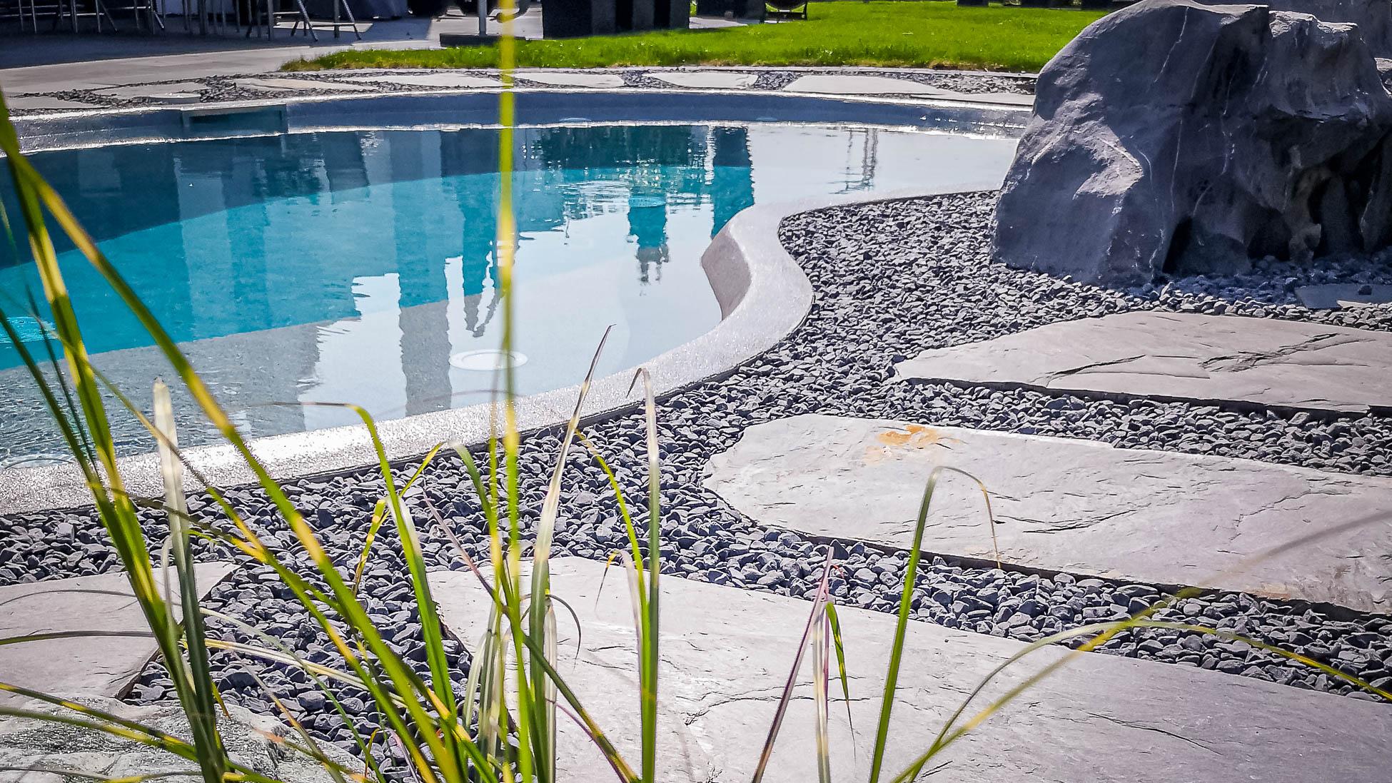 mydesigpool: individueller Pool- und Schwimmbad-Bau Projekt: Stuttgart 2019 mit Gegenstromanlage, Wärmepumpe und Technikhaus
